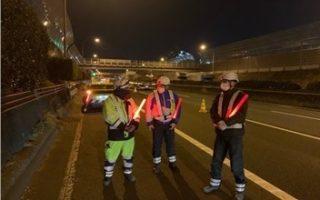 東名高速道路 下り線 走行車線規制(厚木営業所)