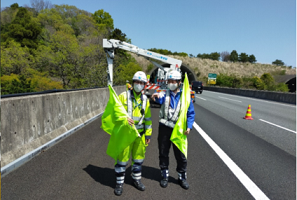新東名高速道路 上り線 走行規制(御殿場営業所)