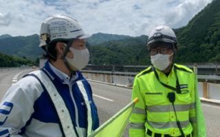 中央自動車道 上り線 登坂+走行車線規制(大月営業所)