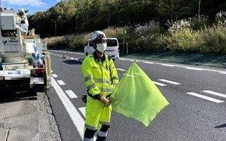 札樽自動車道 下り線 走行車線規制(札幌営業所)
